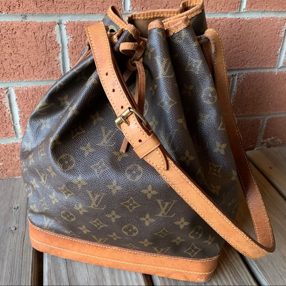 Louis Vuitton Handbags - • SALE • Louis Vuitton Noe Monogram Bucket Bag